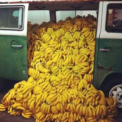 photo fustany-beauty-skincare-17 hydrating fruits for your skin during ramadan-bananas_zpsgopf8tfk.jpg