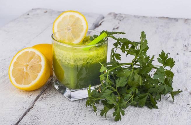 عصير البقدونس مع الليمون