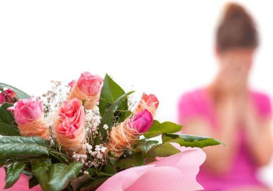 كلمة قالها العريس جعلت عروسه تتركه في شهر العسل...فهل توافقينها الرأي؟