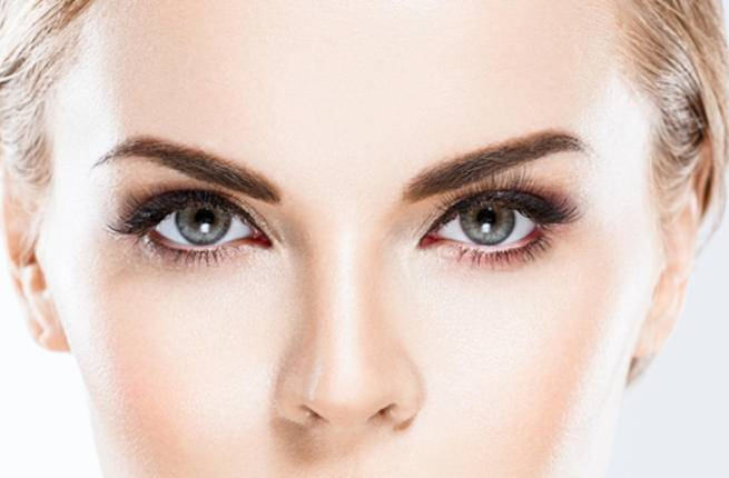 الشيخوخة مع العمر يزداد جفاف الشعر ويصبح ضعيفاً وسهل التساقط