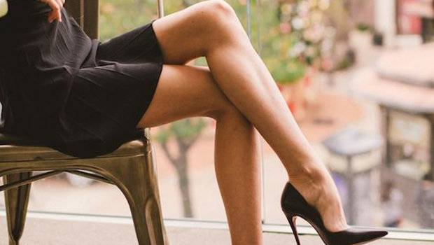 Header image article main fustany sitting with legs crossed ar 2