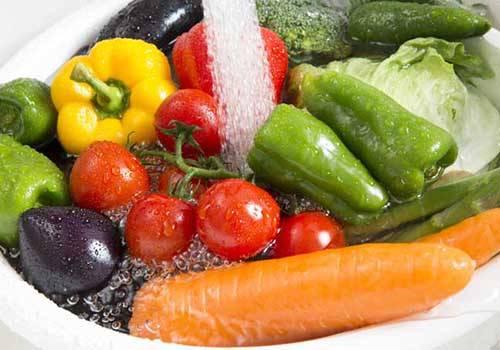 طريقة تنظيف الخضراوات